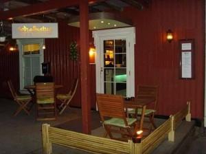 Cafè - Bar - Restaurant - Selskapslokaler, Til Salgs!