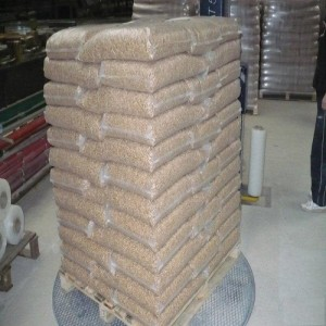 Wood pellet A1 Royal, Din pluss en stor pose, min 24t